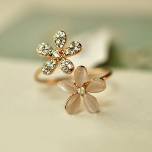 Fashion Diamante Flower Ring For Women - As The Picture - One-size