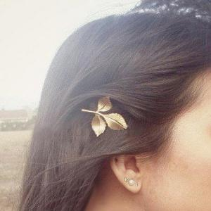 Chic Leaf Shape Solid Color Hairpin For Women -