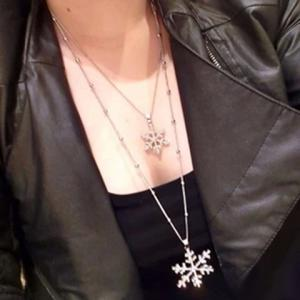 Chic Rhinestone Layered Snowflake Pendant Sweater Chain Necklace For Women