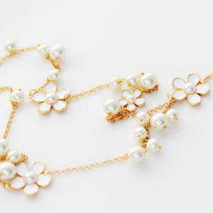 Chic Women's Beads Flower Pendant Sweater Chain Necklace - COLORMIX