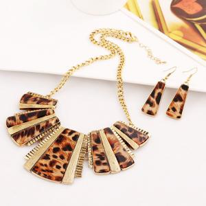 Chic Special Design Leopard Geometric Pendant Necklace With A Pair of Earrings For Women - GOLDEN