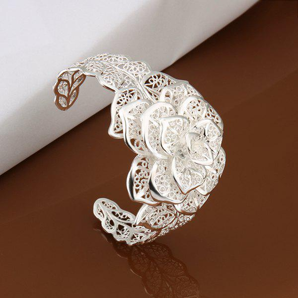 Triple Layers Floral Cuff BraceletJEWELRY<br><br>Size: DIAMETER 6.5CM WIDE 4CM; Item Type: Chain &amp; Link Bracelet; Gender: For Women; Chain Type: Link Chain; Metal Type: Copper; Style: Trendy; Shape/Pattern: Floral; Weight: 0.130KG; Package Contents: 1xbracelet;