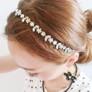 Chic Diamante Floral Pattern Hairband For Women -