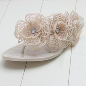 Graceful Flip-Flop and Flowers Design Women's Slippers -