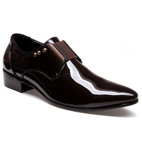 Fashionable Patent Leather and Rivets Design Men's Formal Shoes - BROWN - 41