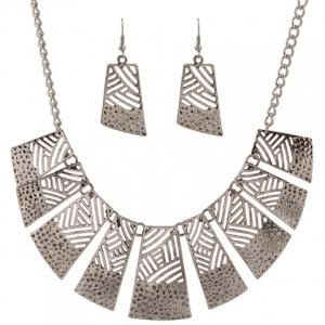 Retro Hollow Out Geometric Women's Necklace and A Pair of Earrings -