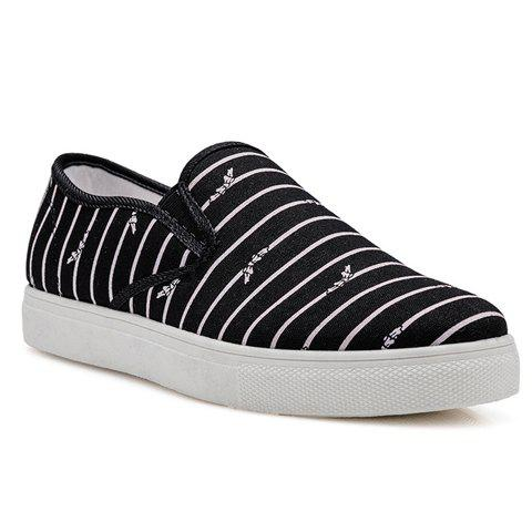 Latest Casual Round Toe and Striped Design Women's Canvas Shoes