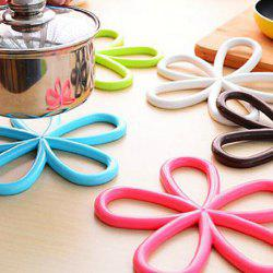 Plum Blossom Pattern PVC Heat-insulated Cup Cover Pad Table Surface Protector - RANDOM COLOR
