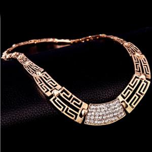 Chic Rhinestone Hollow Out Women's Necklace Bracelet Ring and A Pair of Earrings - GOLDEN