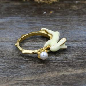 Faux Pearl Bunny Shape Ring - GOLDEN