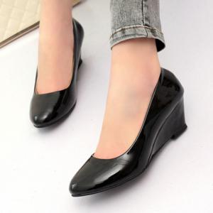 Simple Style Patent Leather and Solid Color Design Women's Wedge Shoes - BLACK 39