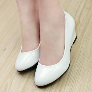 Simple Style Patent Leather and Solid Color Design Women's Wedge Shoes - WHITE 39