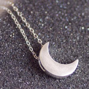 Stylish Solid Color Moon Pendant Necklace For Women -