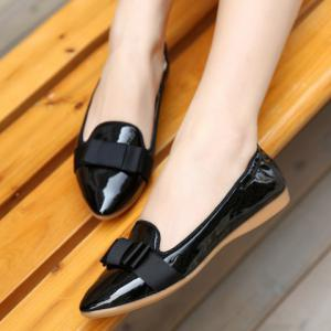 Simple Ruffle and Bowknot Design Women's Flat Shoes -