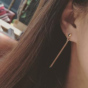 Pair of Delicate Bar Hollow Out Triangle Asymmetric Earrings For Women - GOLDEN