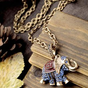 Vintage Rhinestoned Elephant Sweater Chain -