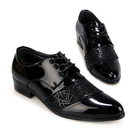 Discount Stylish Geometric Pattern and Black Design Men's Formal Shoes - 40 BLACK Mobile