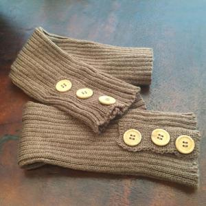 Pair of Chic Big Buttons and Stripy Embellished Knitted Leg Warmers For Women -