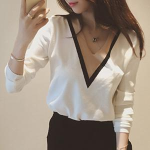 Stylish V-Neck Long Sleeve Color Block Loose-Fitting Women's Sweater