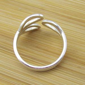 Hollow Out Leaf Cuff Ring -