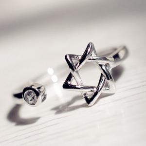 Chic Rhinestone Hexagram Hollow Out Cuff Ring For Women -