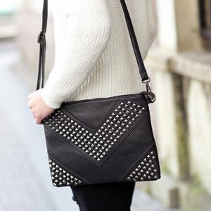 Stylish Rivets and Black Design Men's Clutch Bag -