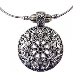 Filagree Round Pendant Necklace -
