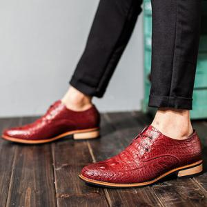 Fashion Crocodile Print and Lace-Up Design Men's Formal Shoes - WINE RED 40