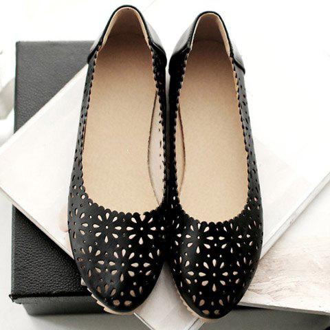 Unique Casual Round Toe and Hollow Out Design Flat Shoes For Women - 35 BLACK Mobile