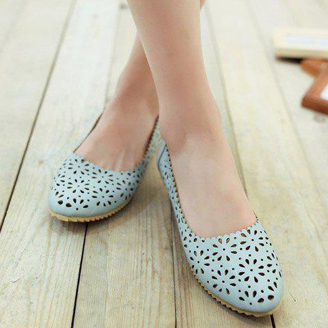 Fashion Casual Round Toe and Hollow Out Design Flat Shoes For Women - 34 LIGHT BLUE Mobile