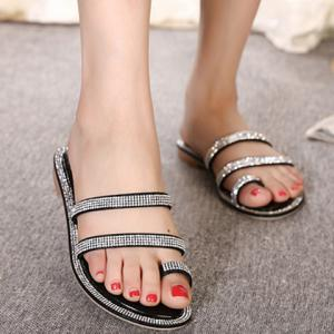 Stylish Rhinestone and Toe Loop Design Slippers For Women -