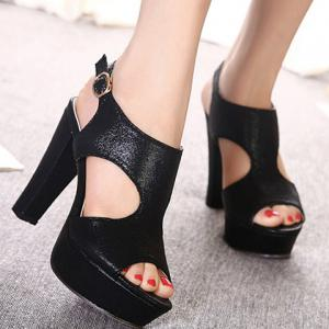 Sweet Chunky Heel and Buckle Strap Design Sandals For Women -