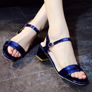 Trendy Solid Colour and Chunky Heel Design Sandals For Women -