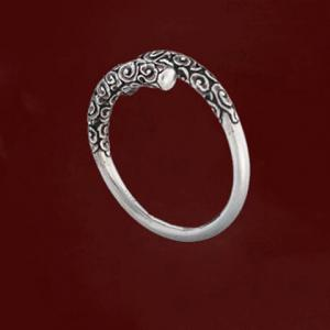 Chic Simple Style Carving Key Stand Ring For Women -