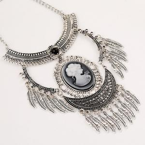 A Suit of Vintage Engraved Queen Pattern Necklace and Earrings - SILVER GRAY