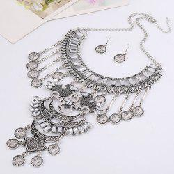 A Suit of Vintage Queen Pattern Coin Necklace and Earrings - WHITE