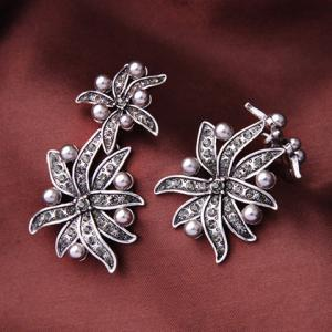 Pair of Vintage Faux Pearl Floral Leaf Earrings For Women -