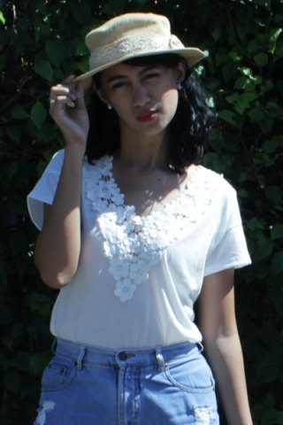 Hot Sweet V-Neck White Lace Spliced Short Sleeve T-Shirt For Women - L WHITE Mobile