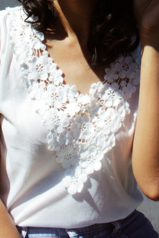 Best Sweet V-Neck White Lace Spliced Short Sleeve T-Shirt For Women - L WHITE Mobile