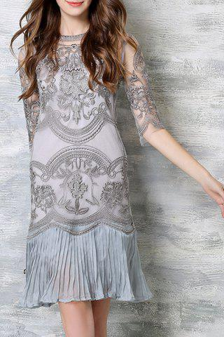 Shops Chic Spaghetti Strap Solid Color Tank Top + 3/4 Sleeve Embroidered Pleated Dress Women's Twinset LIGHT GRAY 2XL