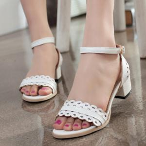 Fashionable Hollow Out and Chunky Heel Design Sandals For Women -