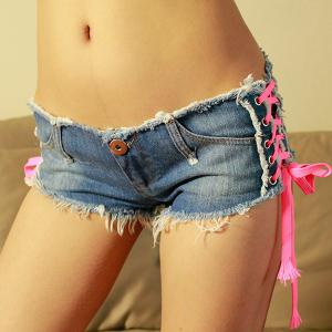 Trendy Low-Waisted Pocket Design Lace-Up Women's Denim Shorts