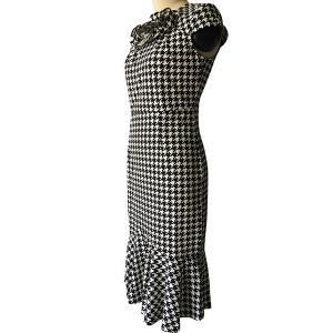 Elegant Round Neck Cap Sleeve Houndstooth Flower Embellished Fishtail Dress For Women -