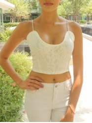 Exquisite V-Neck Spaghetti Strap White Crop Top For Women - WHITE