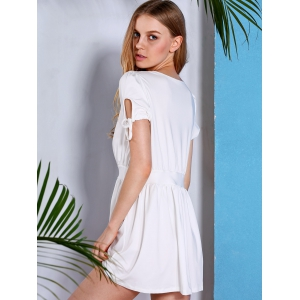 Stylish Short Sleeve Plunging Neck Women's White Dress -