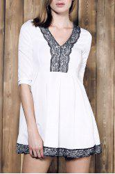 Alluring Plunging Neck Lace Spliced Pleated Mini Dress For Women - WHITE