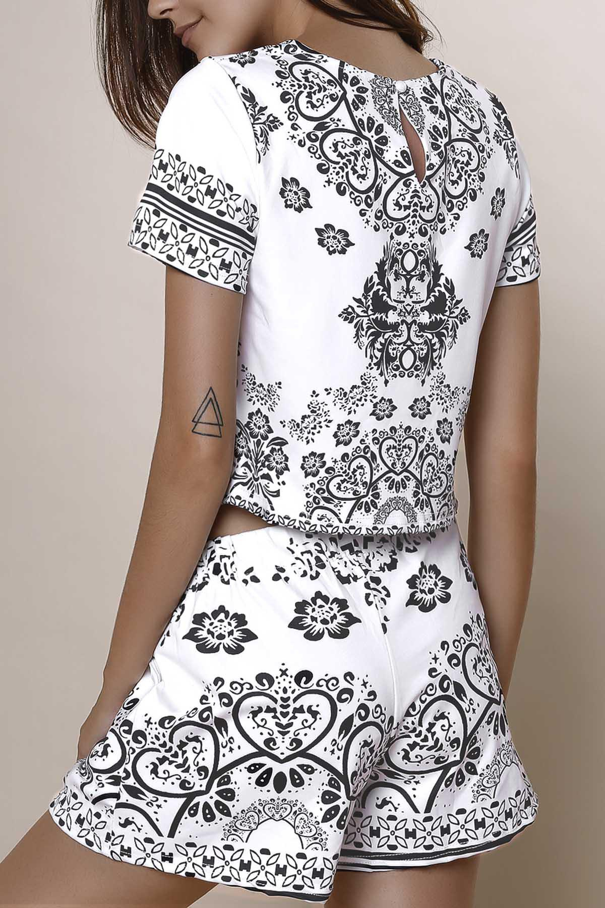 ee8112065ef5e Outfits Stylish Round Neck Short Sleeve Crop Top + Porcelain Print High-Waisted  Shorts Women s