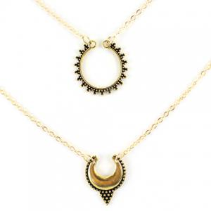 Vintage Multilayered Hollow Out Moon Necklace - Golden