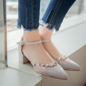 Trendy Transparent Plastic and Pointed Toe Design Pumps For Women -