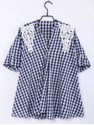 Sweet Half Sleeves V-Neck Plaid Print Lace Women's Blouse - WHITE AND BLACK M